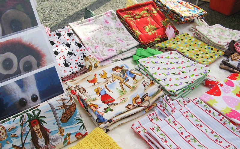 Pot holders at the market