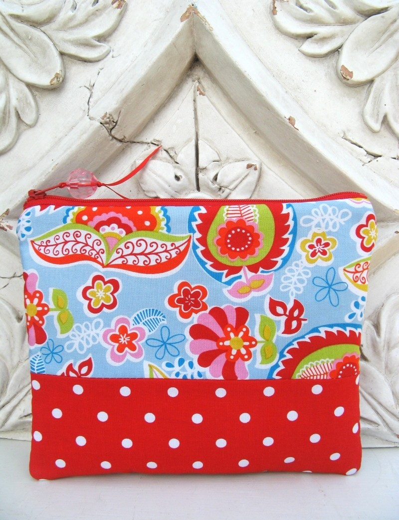 Polka dot padded pouch