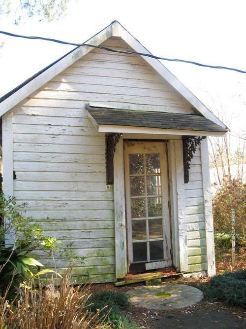 Massee Lane Camellia Gardens little house