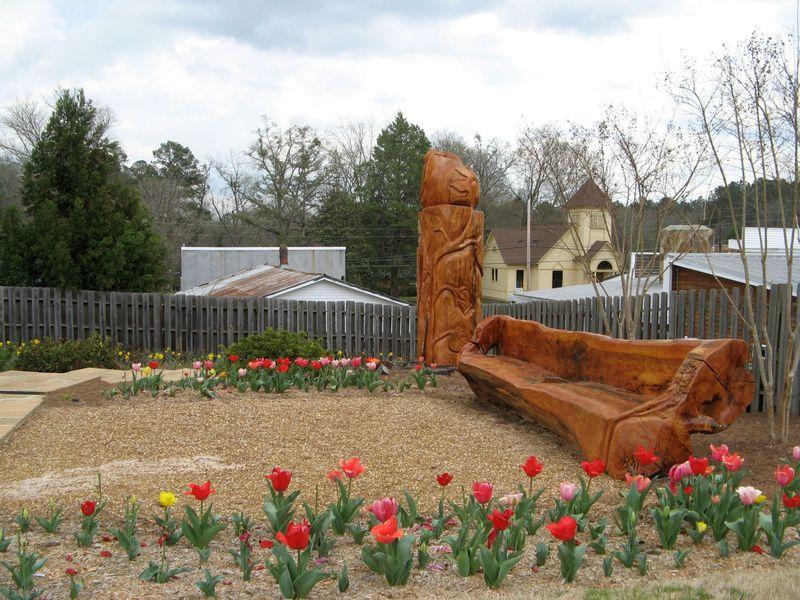 Indian Springs Georgia Rose Garden tulips bench