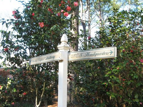 Massee Lane Camellia Gardens signpost