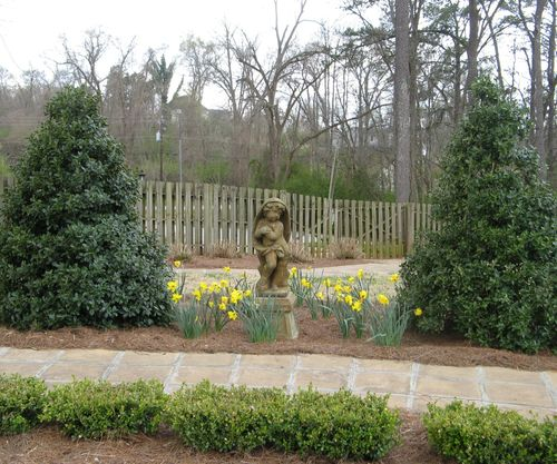 Indian Springs Georgia Rose Garden statue