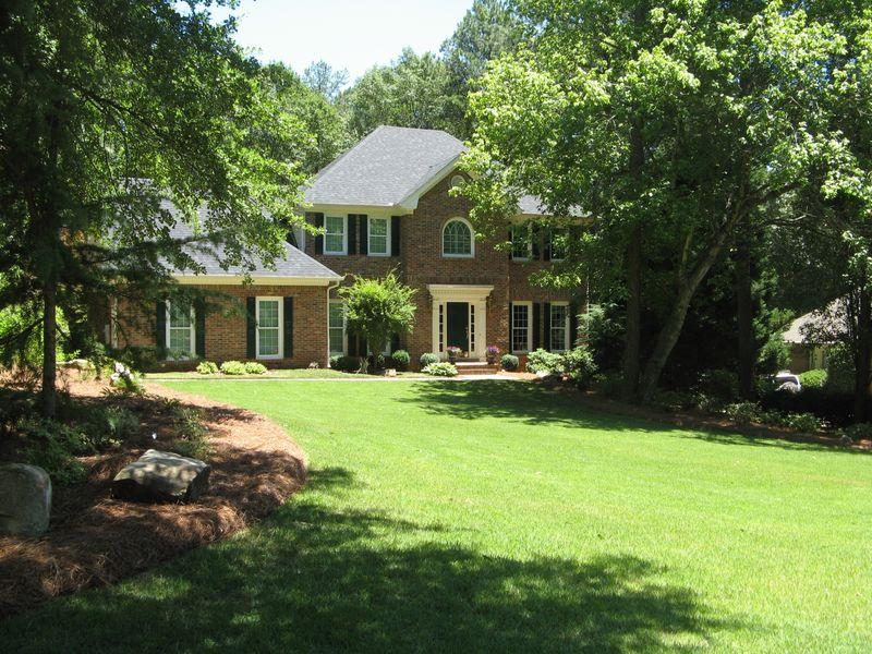 A Henry County Georgia Garden Tour 2012 front lawn