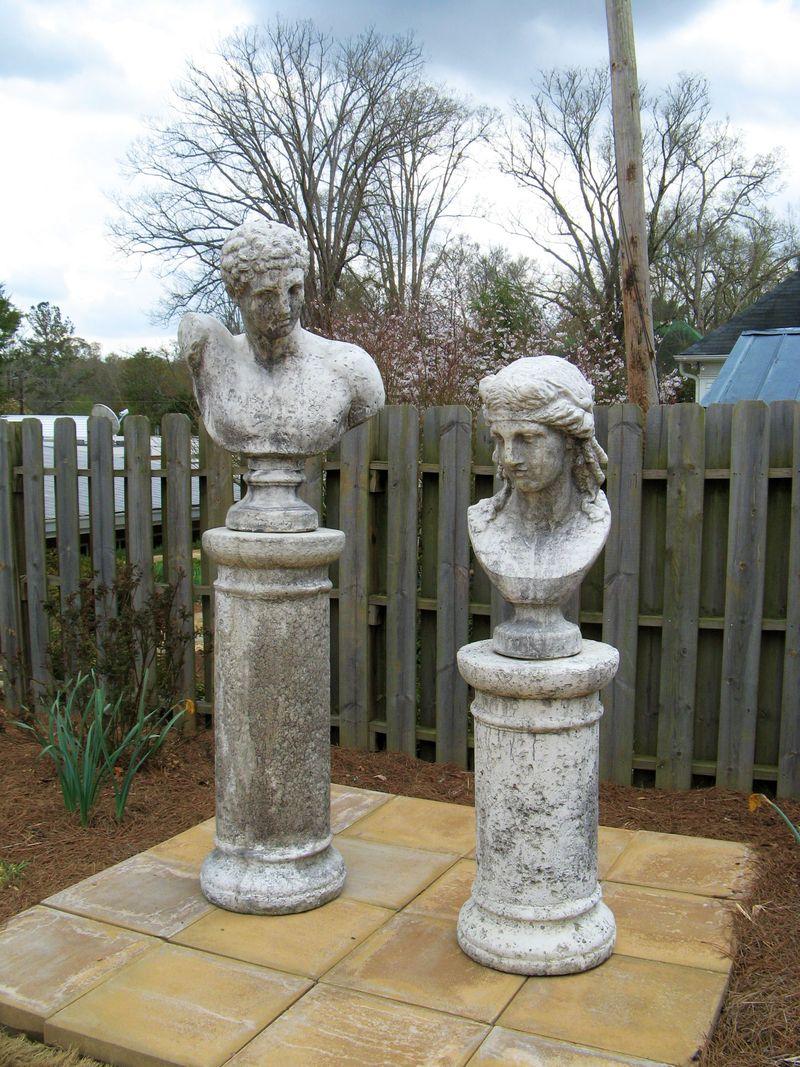 Indian Springs Georgia Rose Garden statues